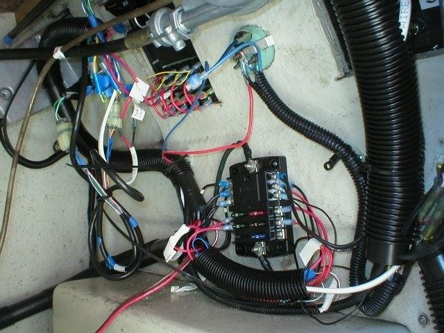 wiringafter whalercentral boston whaler boat information and photos boston whaler wiring harness at nearapp.co
