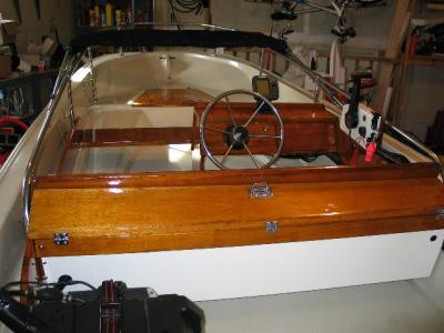 1968 Boston Whaler Sport (Austin Images