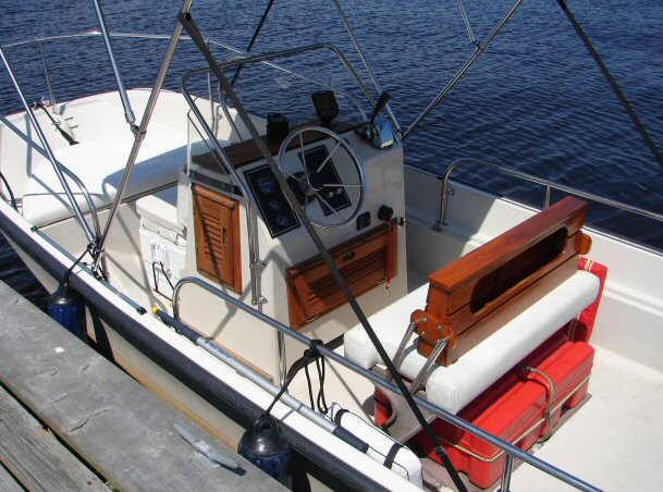 Ignition Switch Replacement >> Whaler Central - Boston Whaler Boat Information and Photos ...
